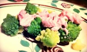 Broccoli e maionese rosa