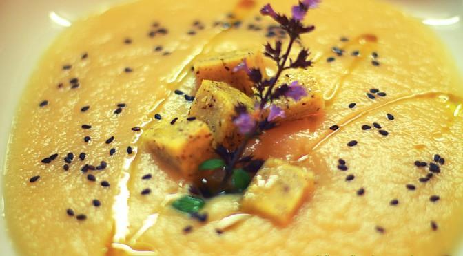 Vellutata di cavolo navone con bocconcini di polenta taragna