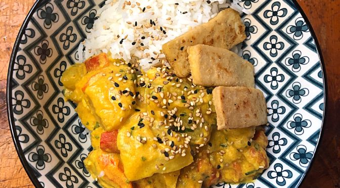 Curry di patate con riso basmati